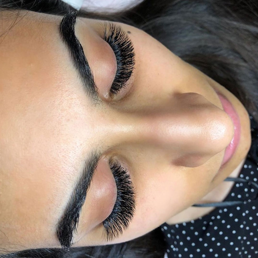 Mega Volume Lashes
